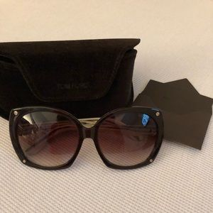 Brand new Tom Ford sunglasses !! Gorgeous
